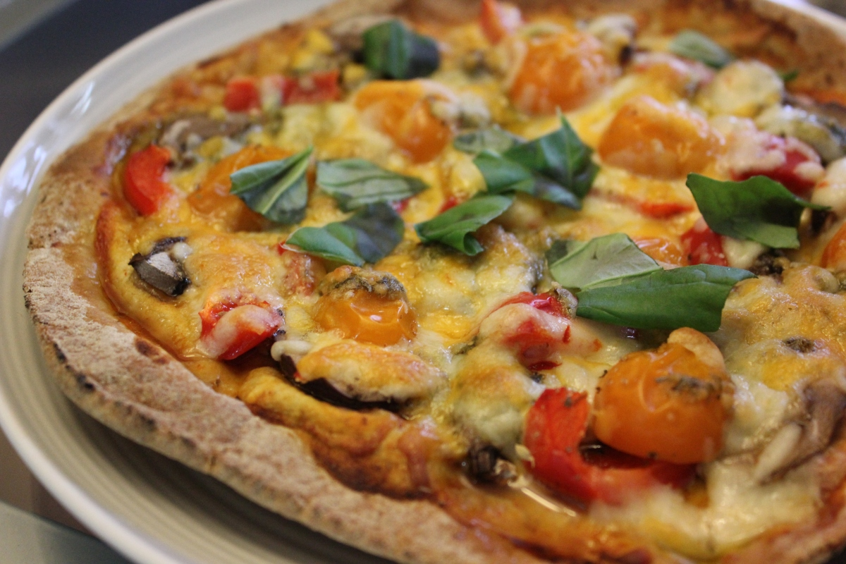 Quick and healthy pita pizza